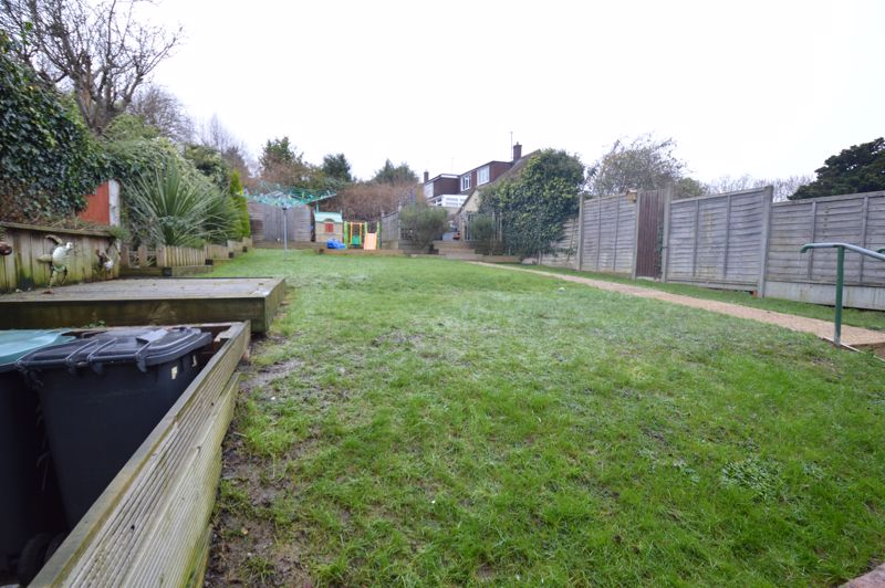 2 bedroom Detached  to buy in Crawley Green Road, Luton - Photo 10