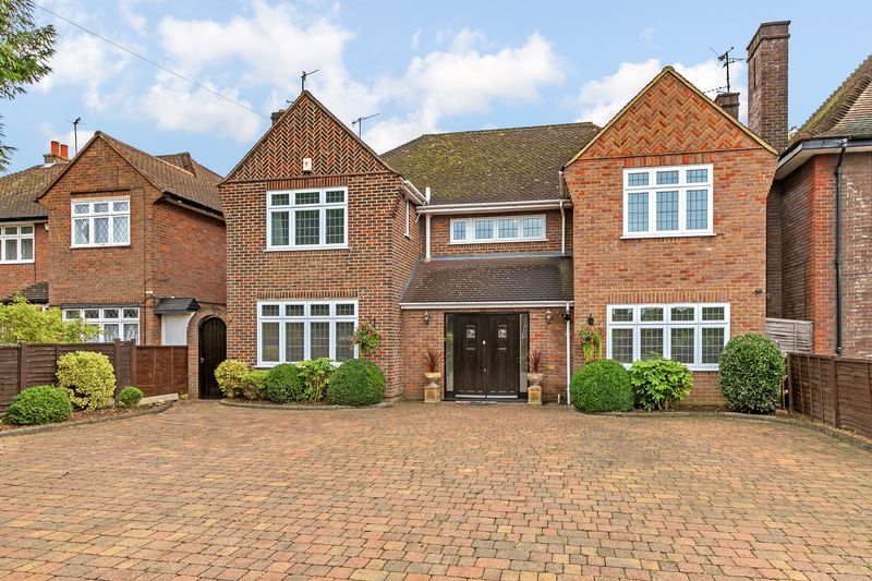 5 bedroom Detached  to buy in Old Bedford Road, Luton - Photo 7
