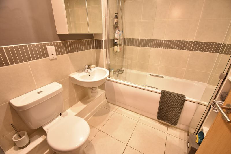2 bedroom  to buy in Someries Hill, Luton - Photo 5