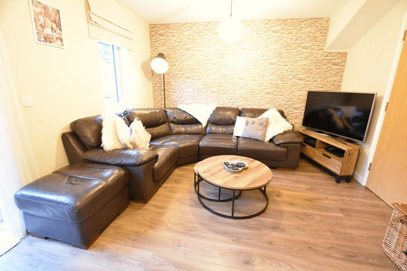 2 bedroom  to buy in Someries Hill, Luton - Photo 8