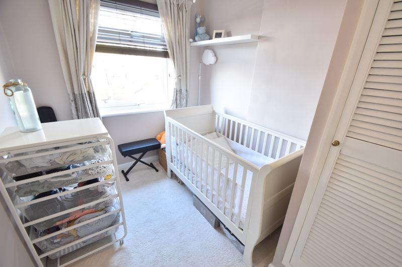 2 bedroom  to buy in Third Avenue, Luton - Photo 15