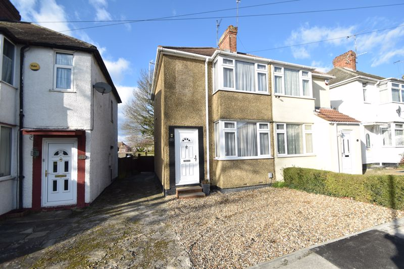 2 bedroom  to buy in Third Avenue, Luton