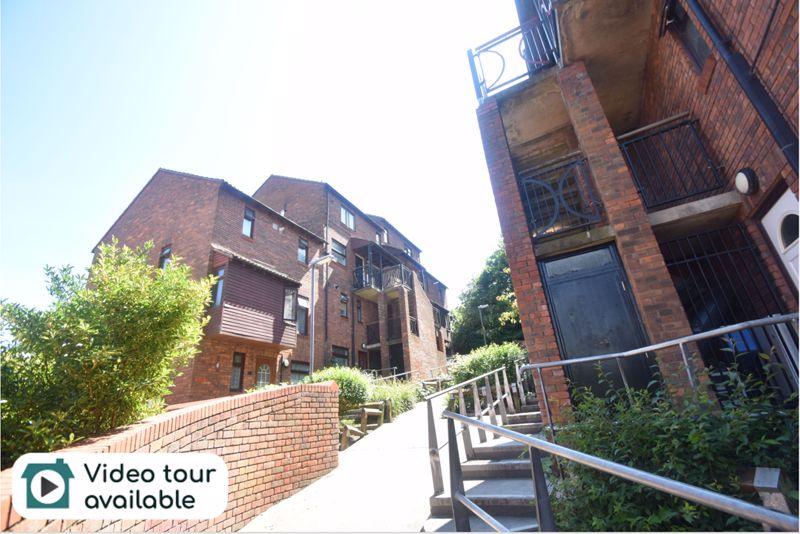 2 bedroom Maisonette to rent in Downs Road, Luton
