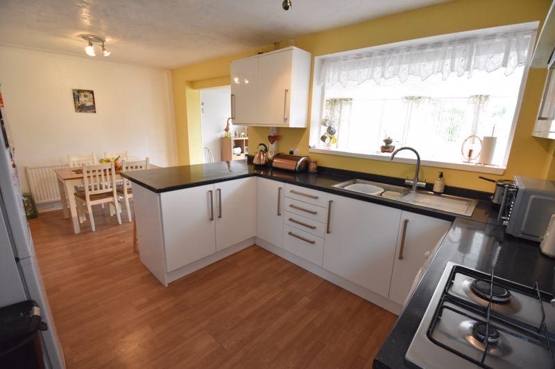 3 bedroom Semi-Detached  to buy in Arbroath Road, Luton - Photo 1