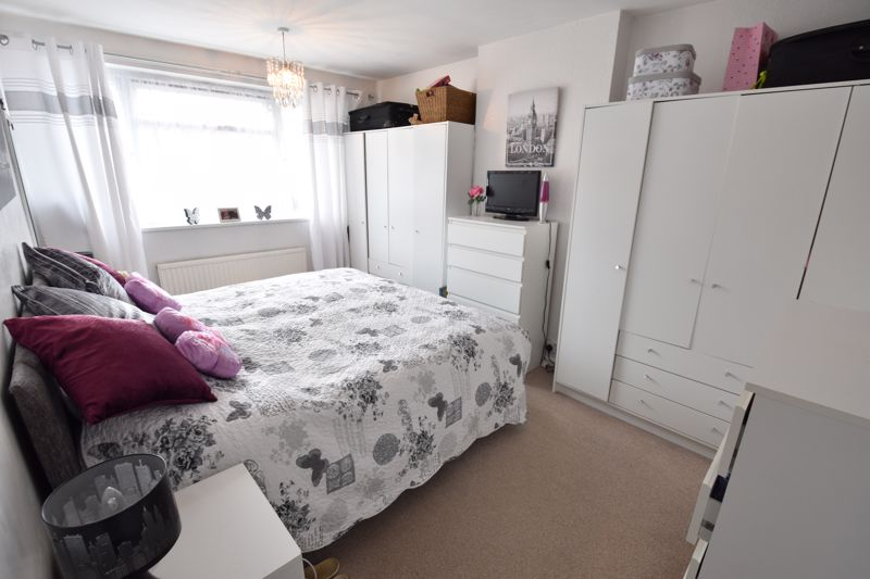 3 bedroom Semi-Detached  to buy in Arbroath Road, Luton - Photo 7