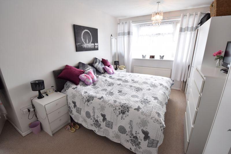 3 bedroom Semi-Detached  to buy in Arbroath Road, Luton - Photo 8