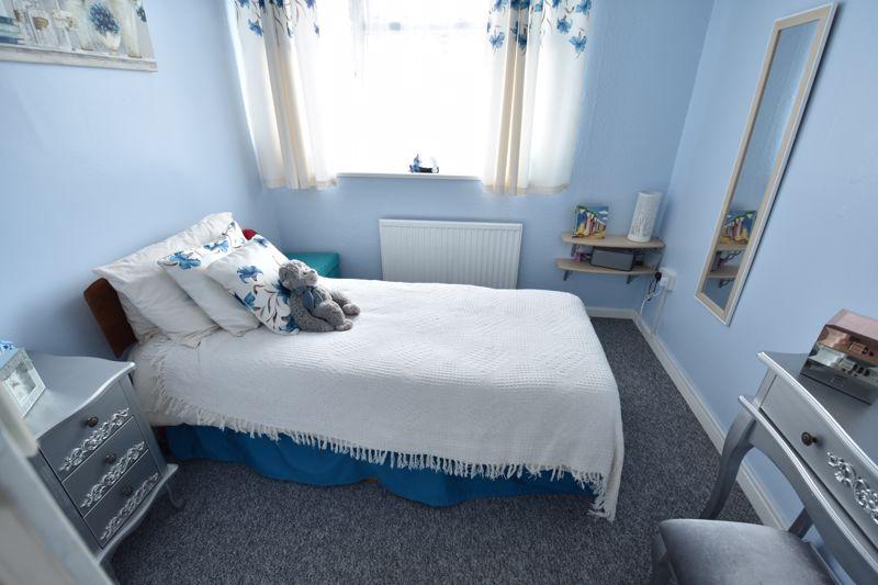 3 bedroom Semi-Detached  to buy in Arbroath Road, Luton - Photo 9