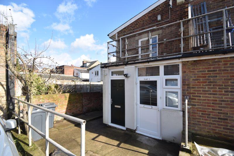 6 bedroom  to buy in Hastings Street, Luton - Photo 18