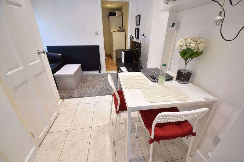 6 bedroom  to buy in Hastings Street, Luton - Photo 21