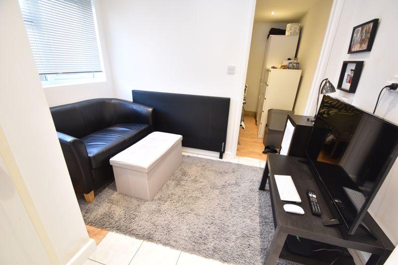 6 bedroom  to buy in Hastings Street, Luton - Photo 22