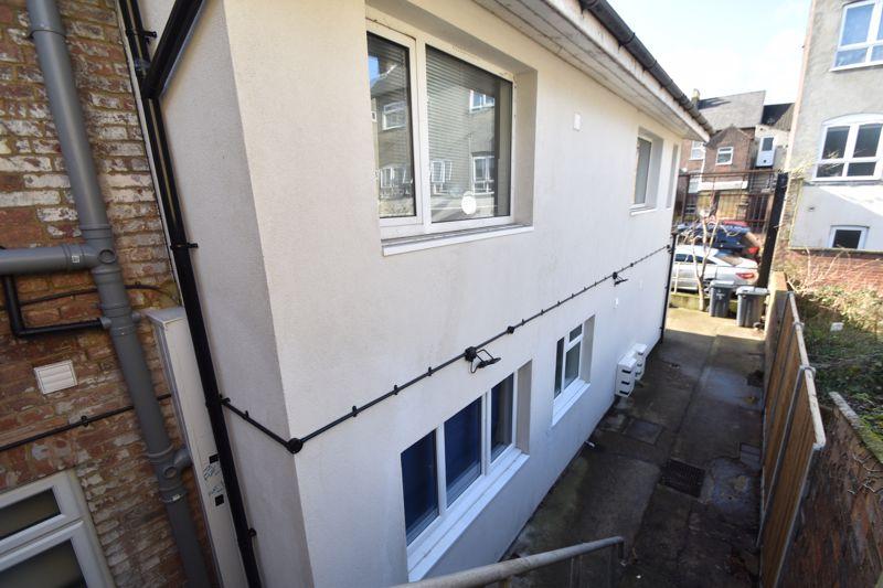 6 bedroom  to buy in Hastings Street, Luton - Photo 25
