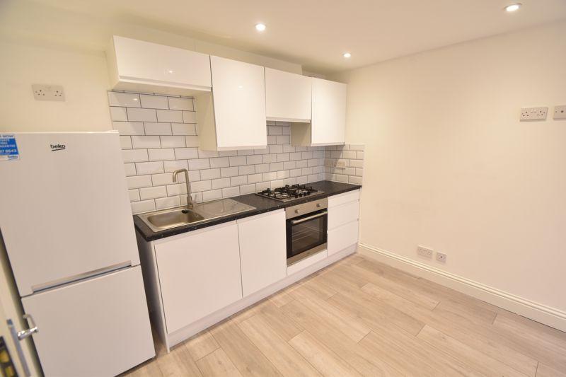 6 bedroom  to buy in Hastings Street, Luton - Photo 28