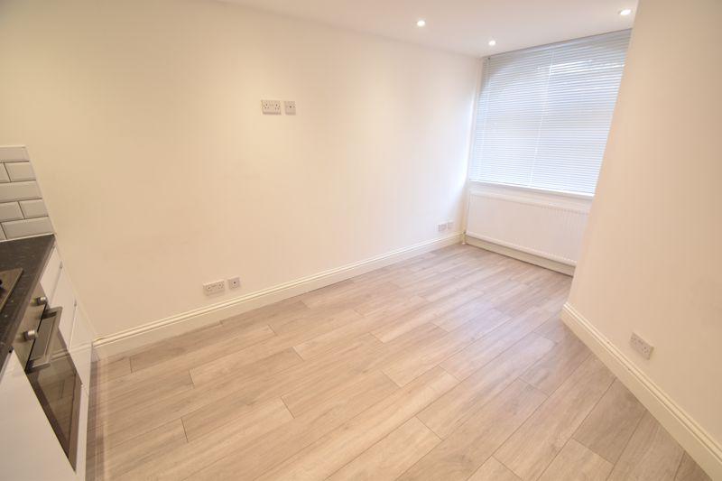 6 bedroom  to buy in Hastings Street, Luton - Photo 29