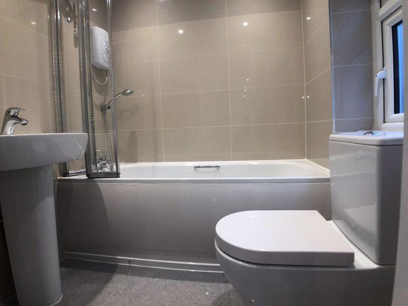 6 bedroom  to buy in Hastings Street, Luton - Photo 11