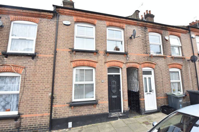 3 bedroom Mid Terrace to buy in Baker Street, Luton