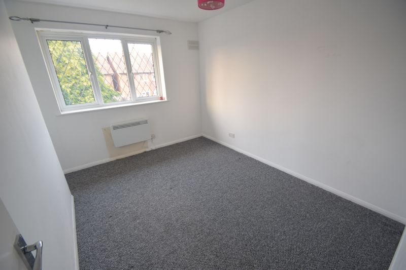 2 bedroom Mid Terrace to rent in Swan Mead, Luton - Photo 12