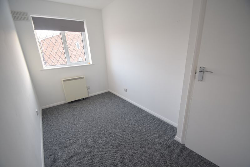 2 bedroom Mid Terrace to rent in Swan Mead, Luton - Photo 15