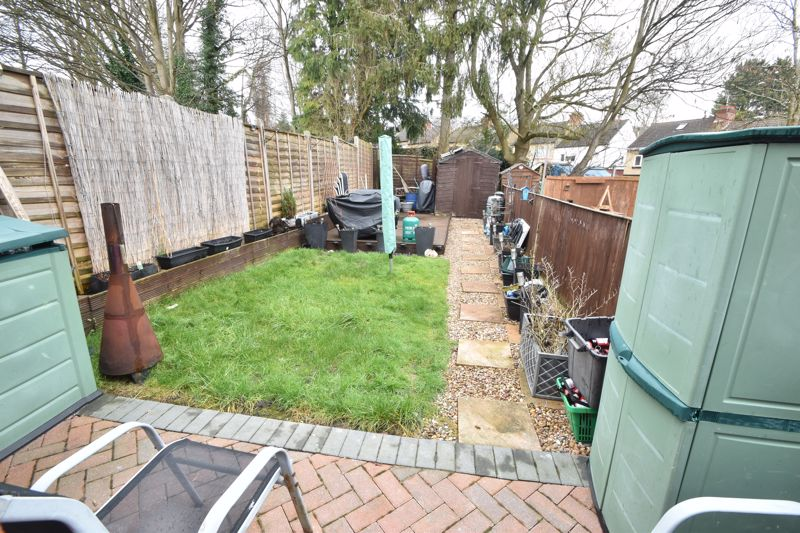 3 bedroom Mid Terrace to buy in Richmond Hill, Luton - Photo 13