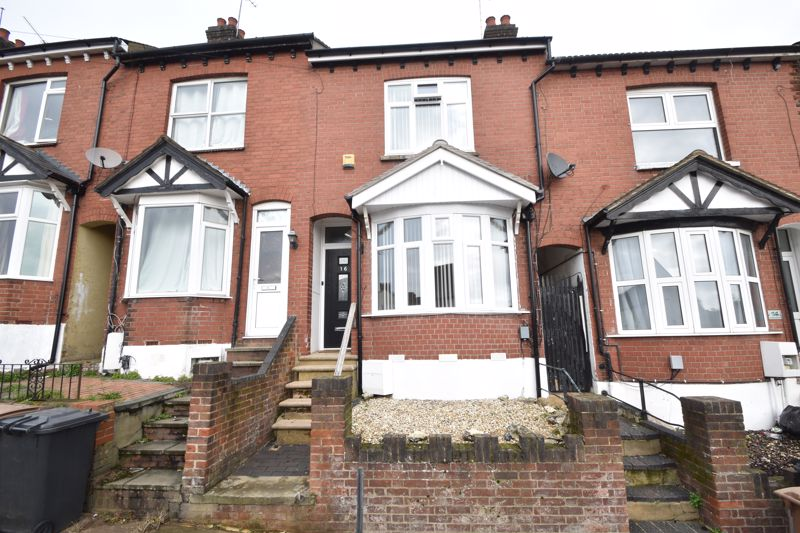3 bedroom Mid Terrace to buy in Richmond Hill, Luton