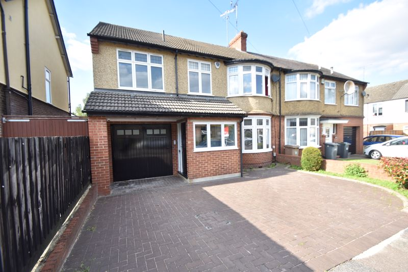 4 bedroom Semi-Detached  to buy in Cutenhoe Road, Luton