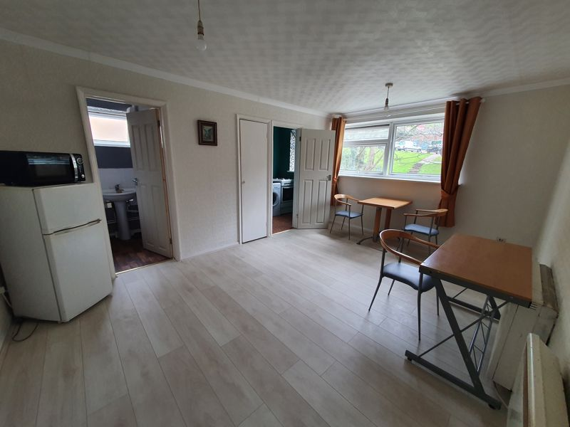 1 bedroom Flat to rent in Crawley Green Road, Luton - Photo 10