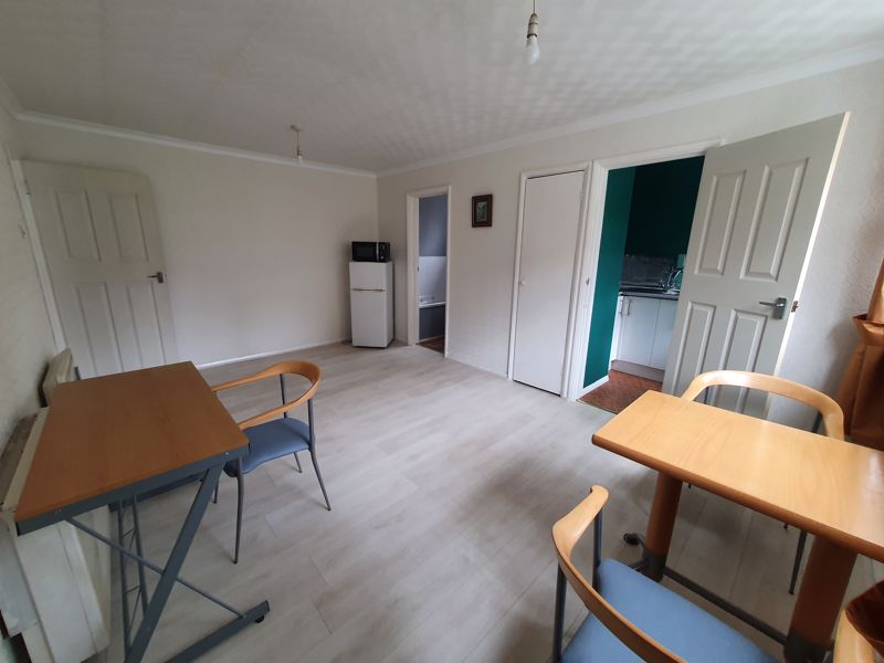 1 bedroom Flat to rent in Crawley Green Road, Luton - Photo 11