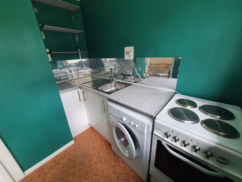 1 bedroom Flat to rent in Crawley Green Road, Luton - Photo 12