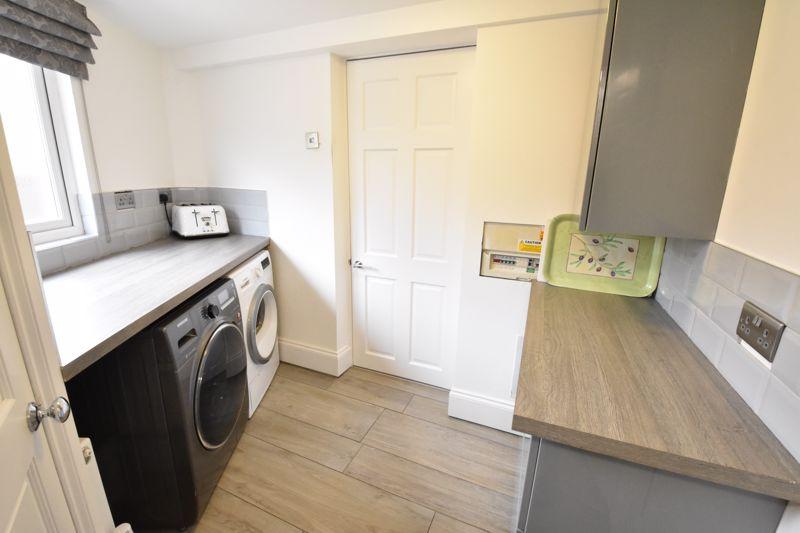 3 bedroom  to rent in Marlborough Road, Luton - Photo 6