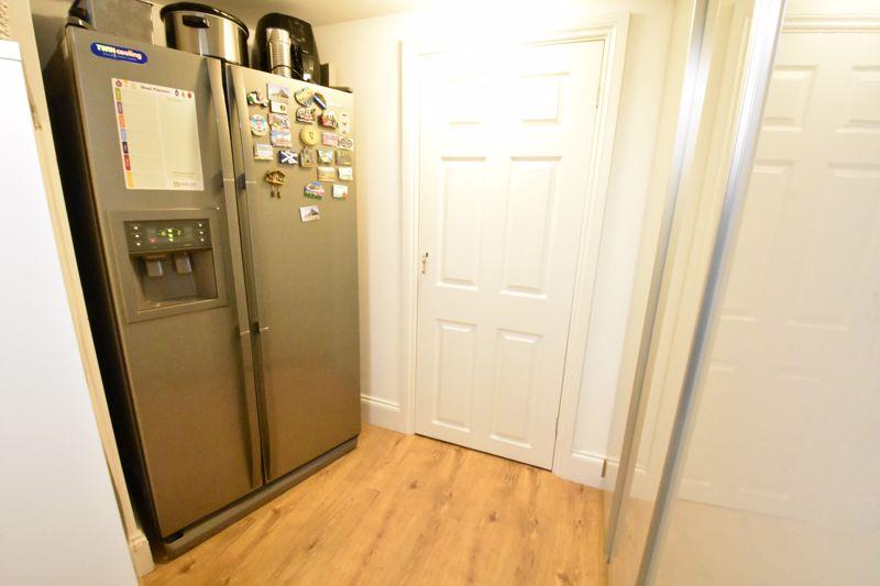 3 bedroom  to rent in Marlborough Road, Luton - Photo 8