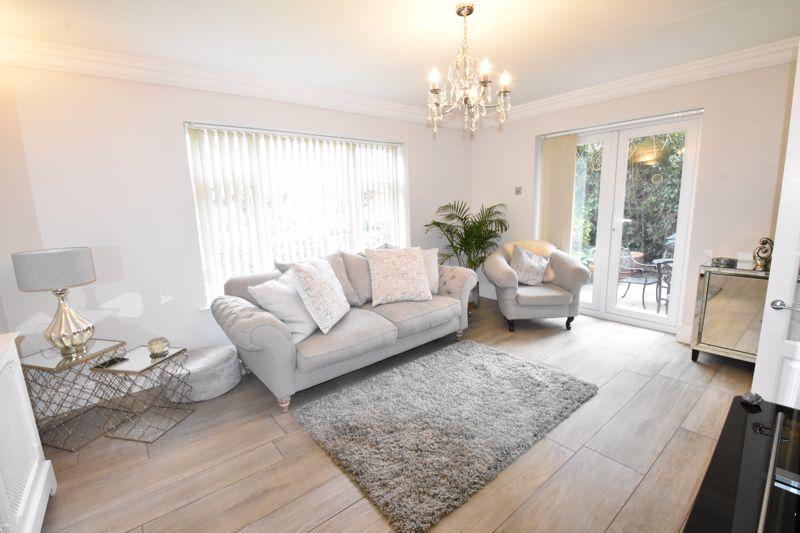 3 bedroom  to rent in Marlborough Road, Luton - Photo 13