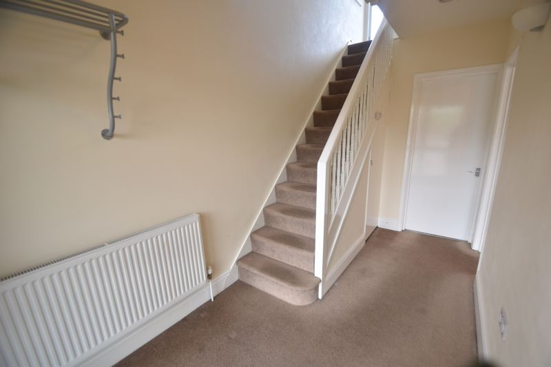 3 bedroom Detached  to rent in Ashcroft Road, Luton - Photo 7
