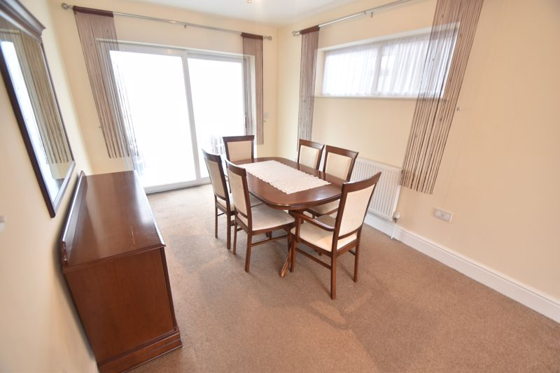 3 bedroom Detached  to rent in Ashcroft Road, Luton - Photo 11