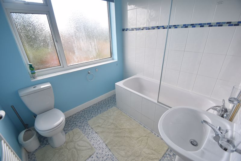 3 bedroom Detached  to rent in Ashcroft Road, Luton - Photo 13
