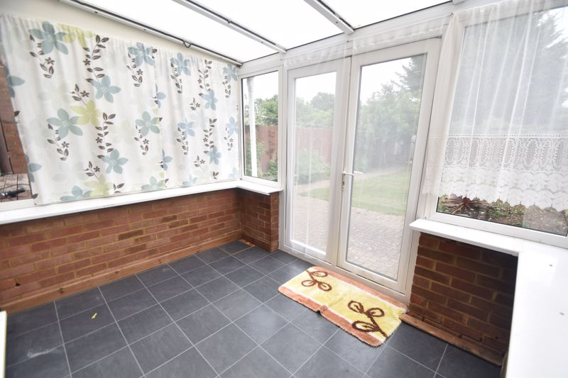 3 bedroom Detached  to rent in Ashcroft Road, Luton - Photo 1