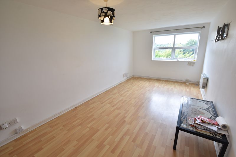 2 bedroom  to buy in Downs Road, Luton - Photo 1