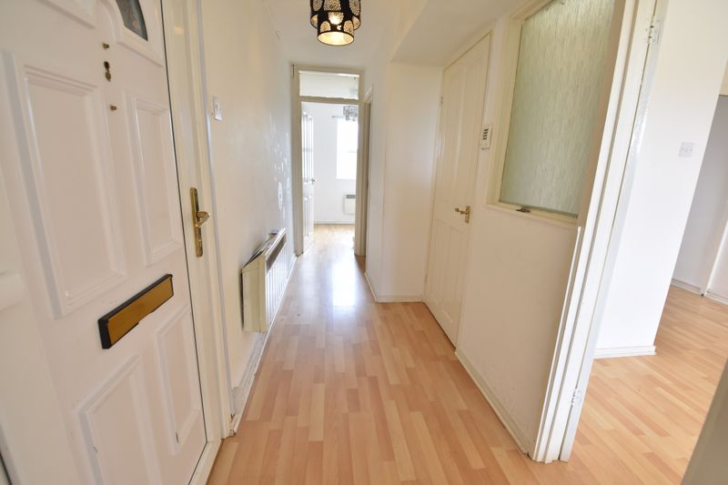 2 bedroom  to buy in Downs Road, Luton - Photo 4