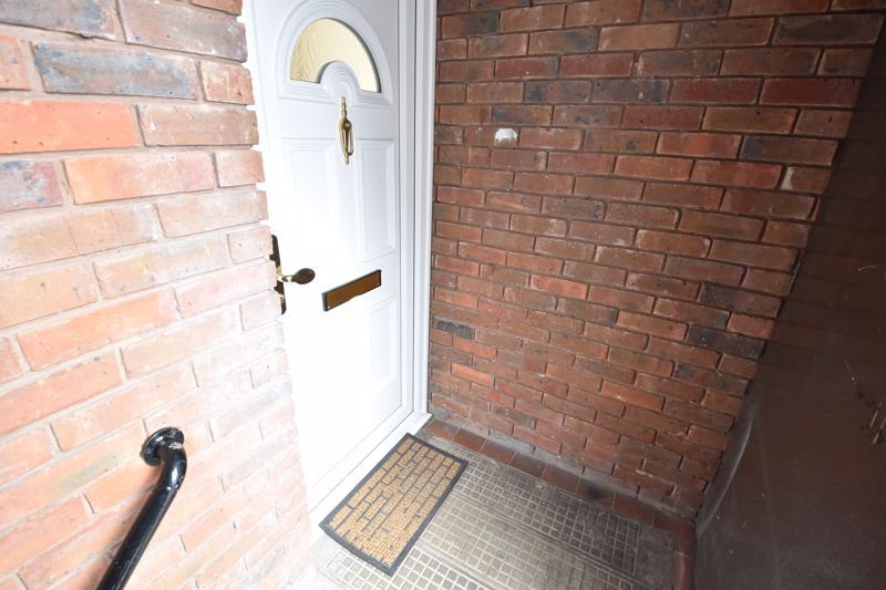 2 bedroom  to buy in Downs Road, Luton - Photo 7