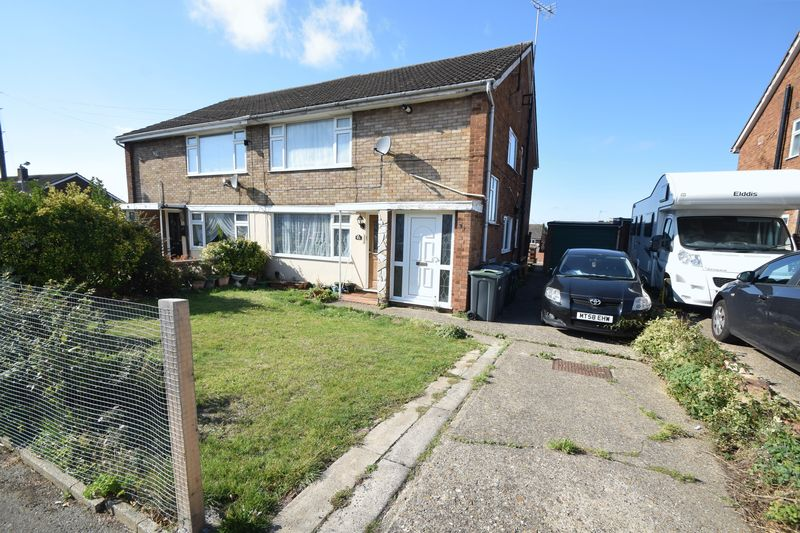 2 bedroom Maisonette to buy in Kinross Crescent, Luton