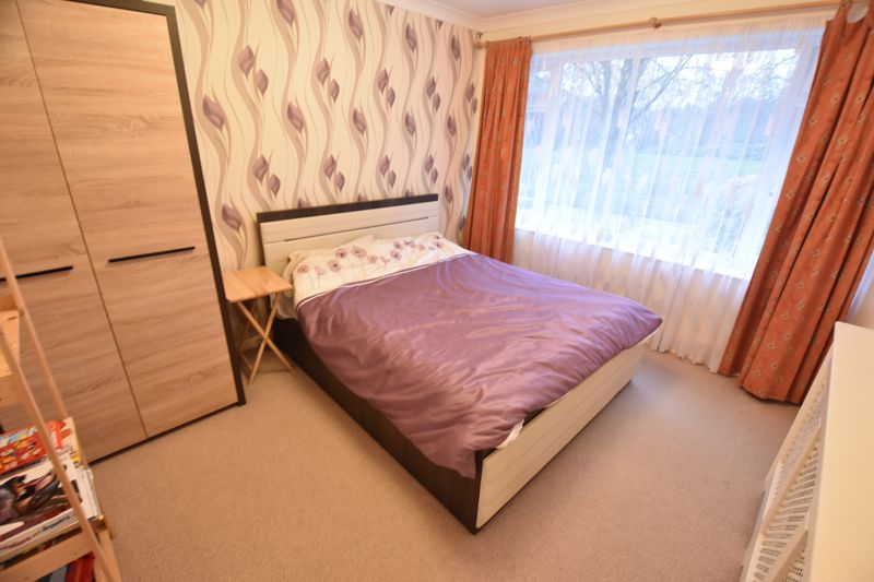 3 bedroom Semi-Detached  to buy in Falconers Road, Luton - Photo 9
