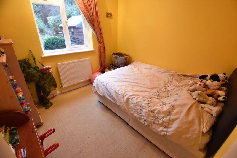 3 bedroom Semi-Detached  to buy in Falconers Road, Luton - Photo 12