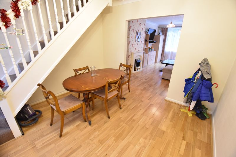3 bedroom Semi-Detached  to buy in Falconers Road, Luton - Photo 19
