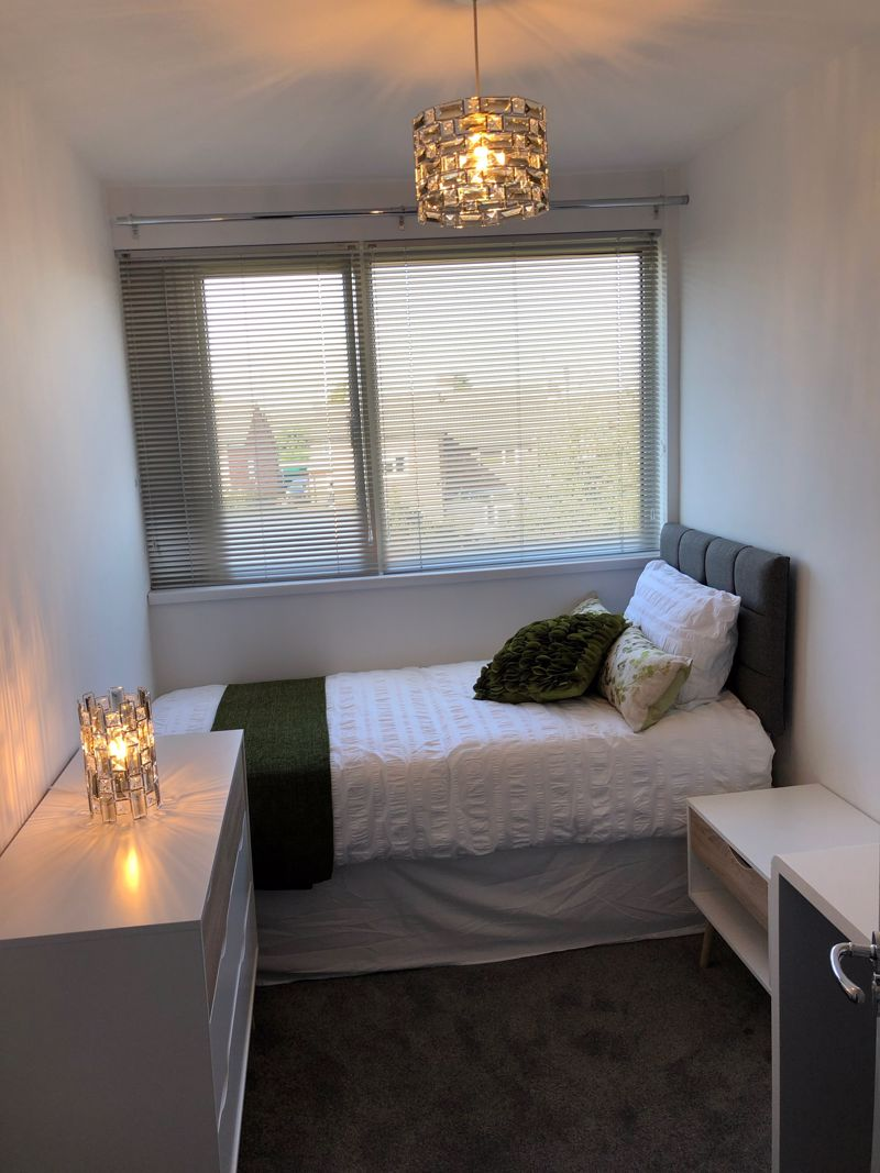 1 bedroom Apartment / Studio to rent in Chertsey Close, Luton - Photo 1