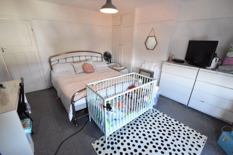 2 bedroom Mid Terrace to buy in Baker Street, Luton - Photo 4