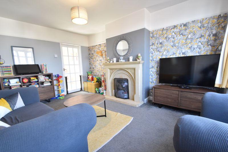 2 bedroom Mid Terrace to buy in Baker Street, Luton - Photo 18