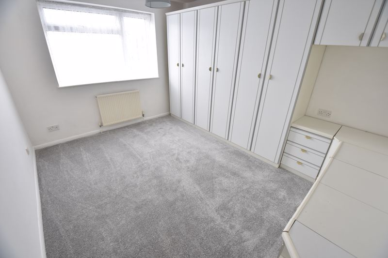 2 bedroom Maisonette to buy in Brussels Way, Luton - Photo 8