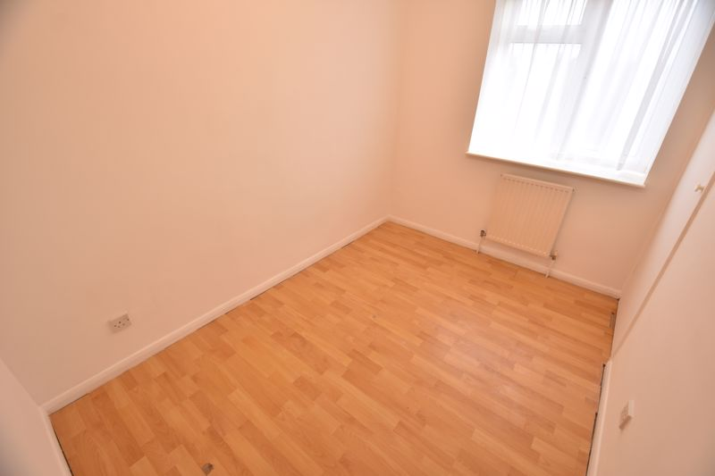 2 bedroom Maisonette to buy in Brussels Way, Luton - Photo 9