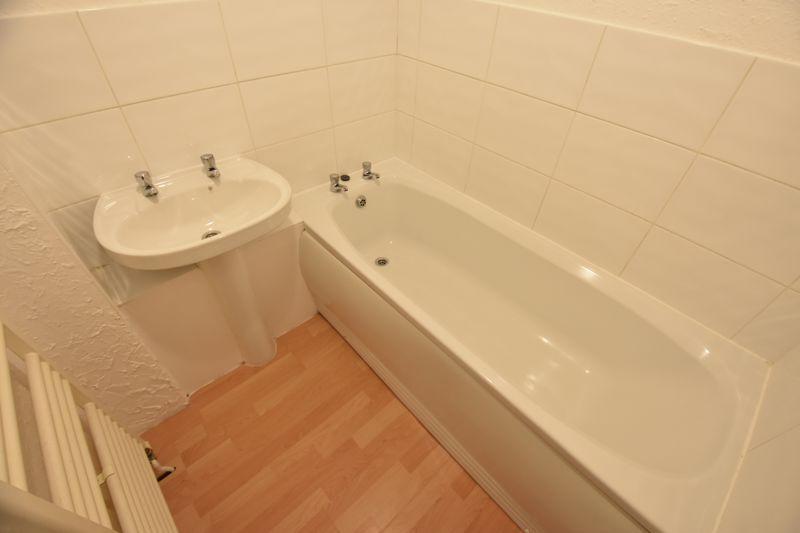 2 bedroom Maisonette to buy in Brussels Way, Luton - Photo 10