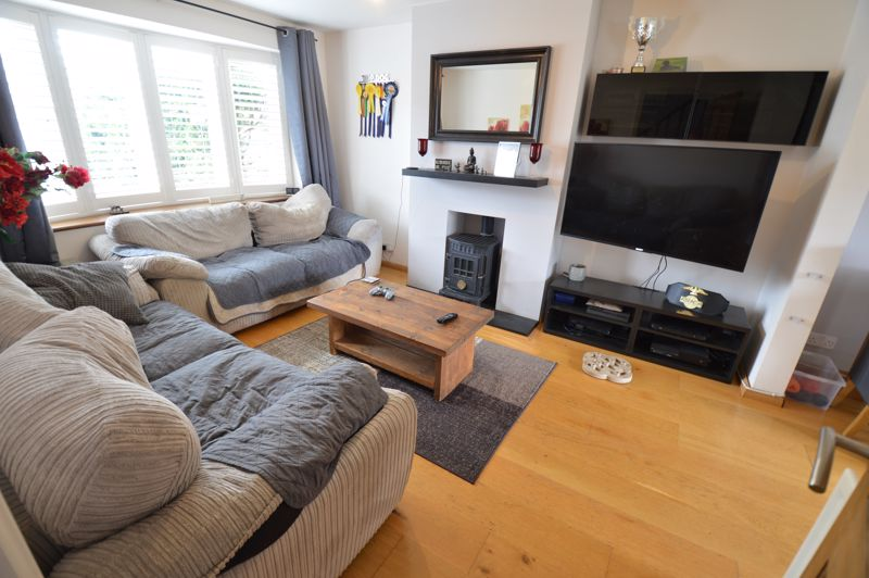 3 bedroom Semi-Detached  to buy in Turnpike Drive, Luton - Photo 1