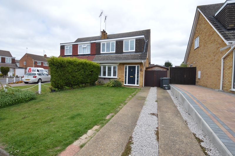 3 bedroom Semi-Detached  to buy in Turnpike Drive, Luton - Photo 15