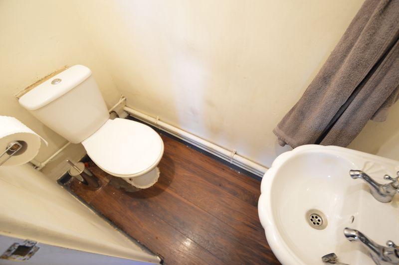 3 bedroom Semi-Detached  to buy in Littlefield Road, Luton - Photo 5